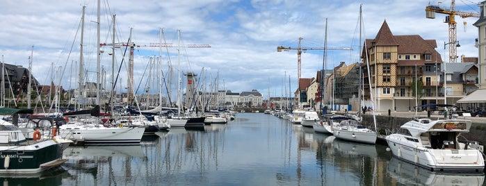 Estuaire de la Touques is one of Normandie Trip.