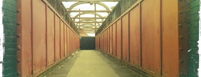 Pedestrian Bridge is one of Ian george'nin Kaydettiği Mekanlar.