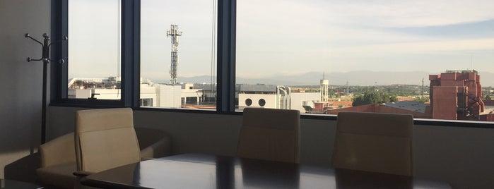 Huawei Technologies España is one of สถานที่ที่ Miguel ถูกใจ.