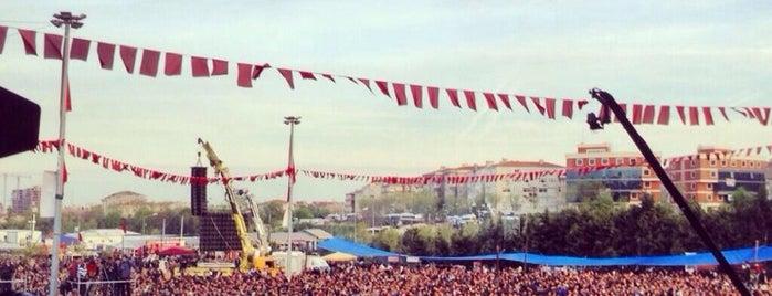 Grup Yorum 4. Bağımsız Türkiye Konseri is one of Orte, die Ünsal gefallen.