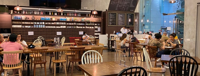 The Alchemist Mail Café is one of Fragrant Harbour HK.