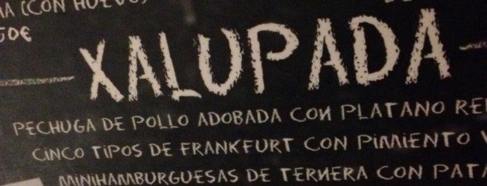 La Xalupada is one of Bars.