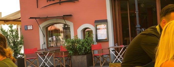 Mosquito - Bar, Restaurant, Café is one of Posti che sono piaciuti a Jan.