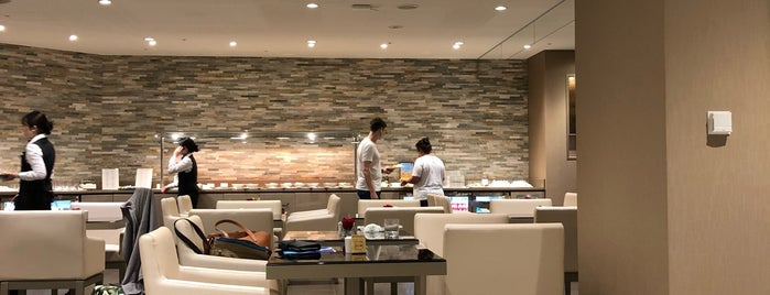 Emirates Business Class Lounge is one of Mike 님이 좋아한 장소.