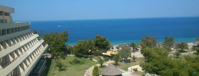 Porto Carras Grand Resort is one of Posti che sono piaciuti a g.