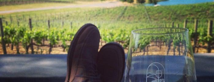 Cuvaison Estate Wines is one of Lugares favoritos de Kevin.