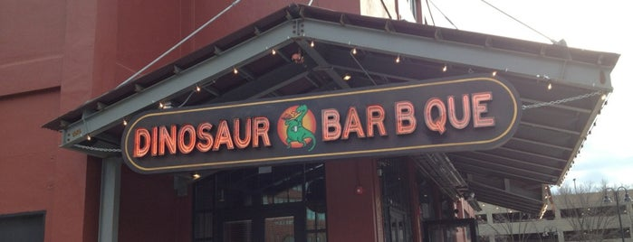 Dinosaur Bar-B-Que is one of Locais salvos de Tim.