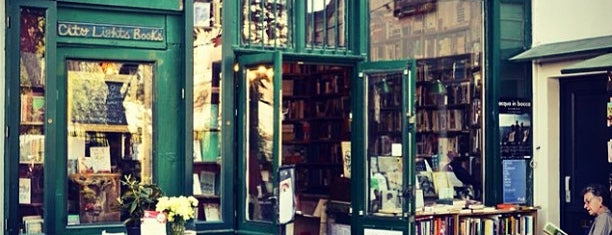 Shakespeare & Company is one of Anthony Bourdain's Layover in Paris.