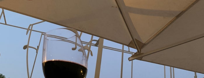 Cartuxa Restaurante e Winebar is one of Lisboa, Portugal.