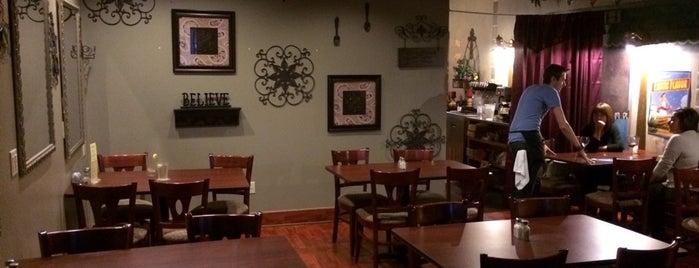 Shellabella's Cafe On Main is one of Scott'un Beğendiği Mekanlar.