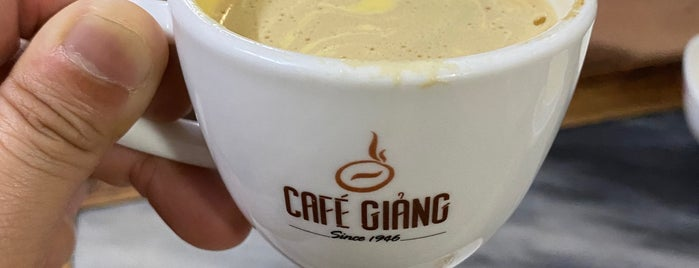 Cafe Giảng is one of Tempat yang Disukai Yi.