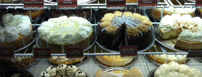 The Cheesecake Factory is one of Must-visit Food in Virginia Beach.