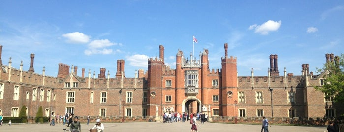 Château de Hampton Court is one of London.