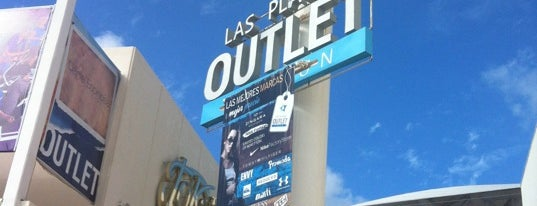 Las Plazas Outlet is one of Fernandoさんのお気に入りスポット.