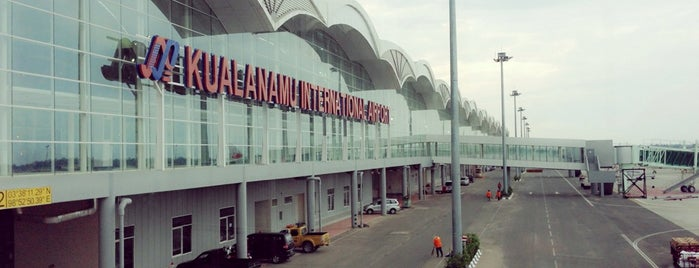 Kualanamu International Airport (KNO) is one of Lugares favoritos de Artemy.