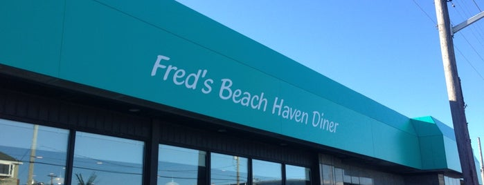 Freds Beach Haven Diner is one of Locais salvos de Lizzie.