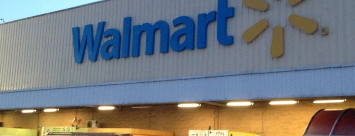 Walmart is one of Paola 님이 좋아한 장소.