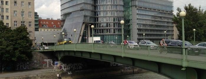 Aspernbrücke is one of Locais curtidos por Karl.