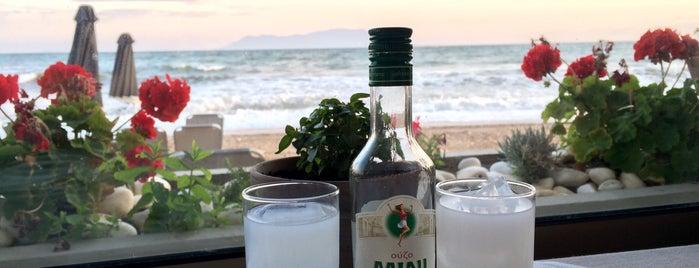 Θέα Θάλασσα is one of Posti che sono piaciuti a Deniz.