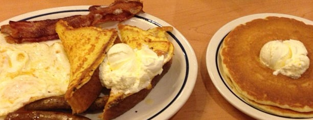 IHOP is one of Locais curtidos por Olya.