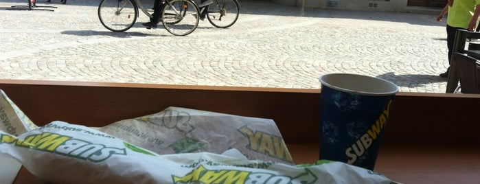 Subway is one of Lugares favoritos de Balázs.