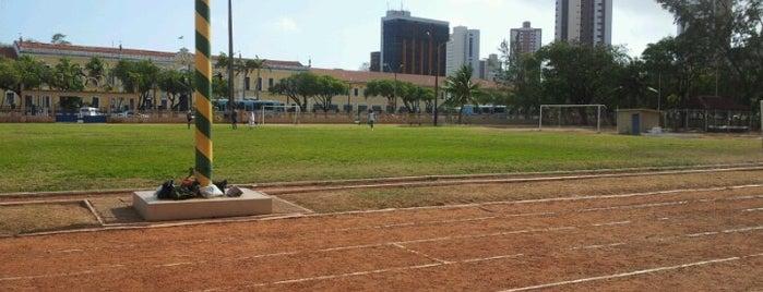 Campo Colegio Militar is one of Locais.