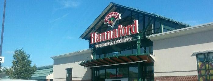 Hannaford Supermarket is one of สถานที่ที่ Michael ถูกใจ.