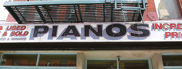 Pianos is one of Locais salvos de Taylor.