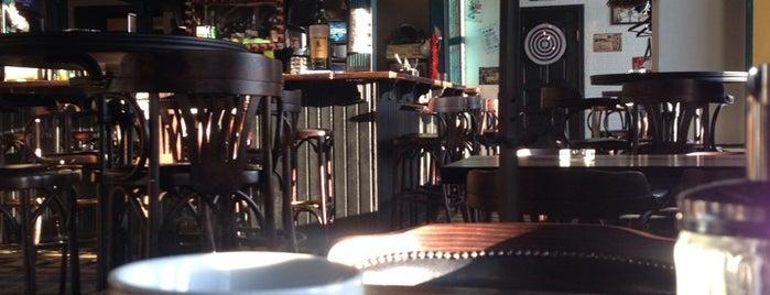 Harat's Irish Pub is one of Tempat yang Disukai Vlad.