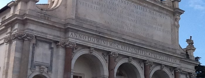 Fontana dell'Acqua Paola is one of Rome / Roma.