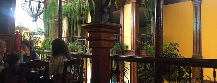 Villa Chicken is one of Restaurantes.