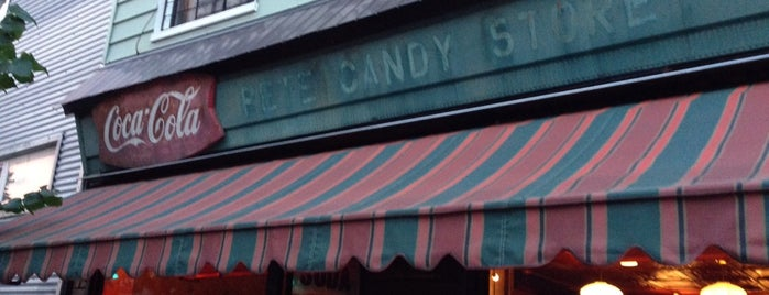 Pete's Candy Store is one of Favorite Restaurant In NYC.