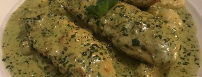 Giovanni's Italian Restaurant is one of Cerca de mi.
