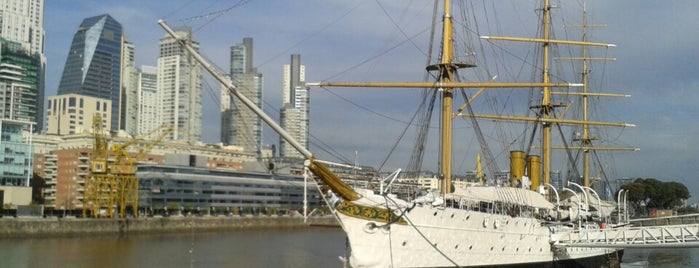 Puerto Madero is one of Lieux sauvegardés par Priscila.