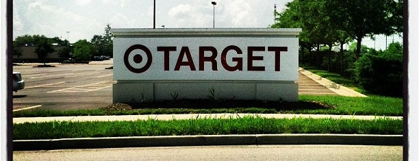 Target is one of Lugares favoritos de Shawn.