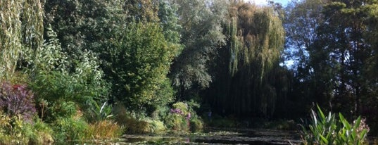 Jardins de Claude Monet is one of Hopefully, I'll visit these places one day....