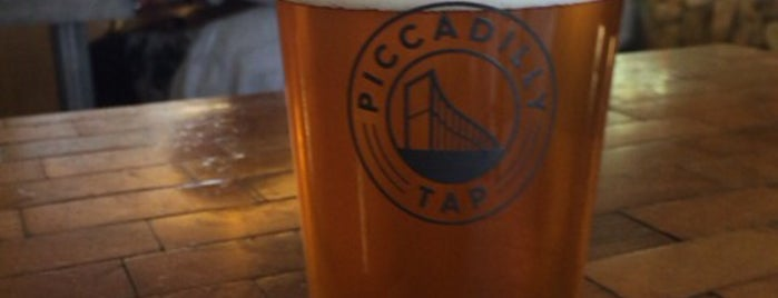 Piccadilly Tap is one of Posti che sono piaciuti a Carl.