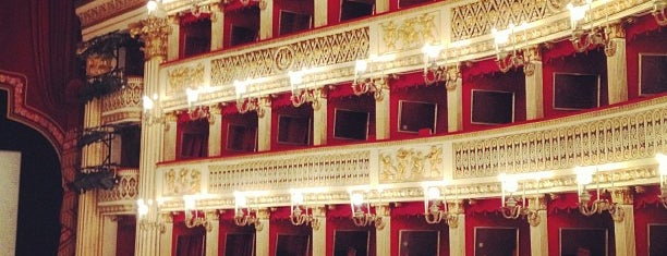 Teatro San Carlo is one of Napoli & Positano.