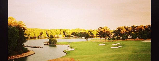 Willow Point Golf and Country Club - Willow Room is one of Lugares favoritos de Marcia.