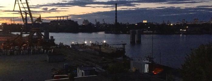 River Port is one of Posti che sono piaciuti a V͜͡l͜͡a͜͡d͜͡y͜͡S͜͡l͜͡a͜͡v͜͡a͜͡.
