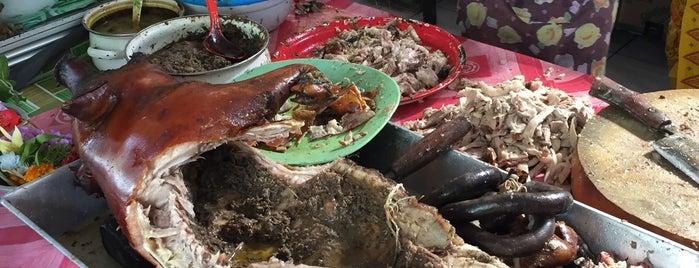 Babi Guling Gianyar Warung Pande Oka is one of Bali things to do.