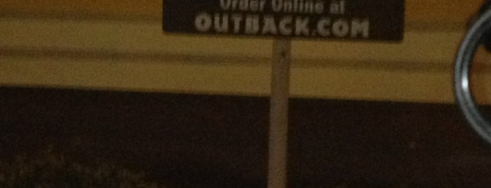 Outback Steakhouse is one of Lieux qui ont plu à Dawn.