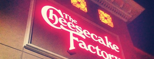 The Cheesecake Factory is one of Lugares guardados de Demetria.