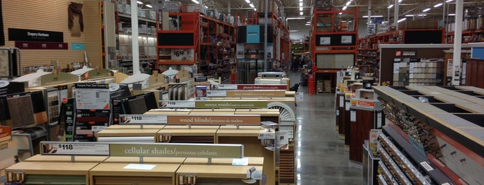 The Home Depot is one of Orte, die Mike gefallen.