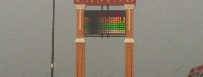 Firelake Grand Casino is one of Lieux qui ont plu à Christina.