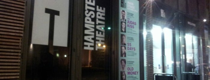 Hampstead Theatre is one of Tempat yang Disukai Luke.