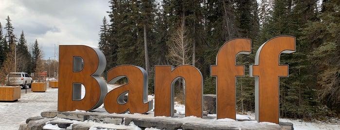 Banff Sign is one of สถานที่ที่ Brynn ถูกใจ.