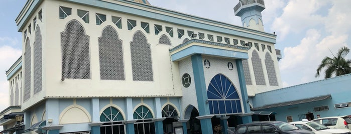 Masjid Al Zakirin is one of masjid.