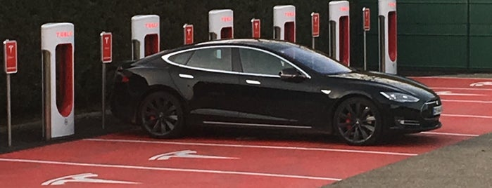 Tesla Supercharger Vienne is one of Superchargeurs Tesla en France.