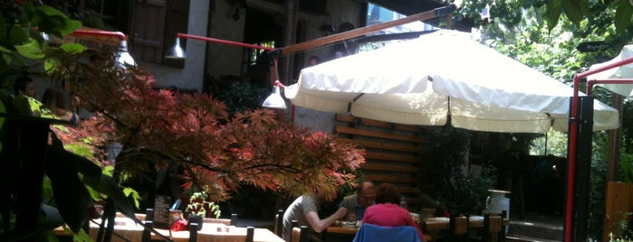 Lefkes is one of Bars/Cafes/Restaurants in Courtyards & Terraces.